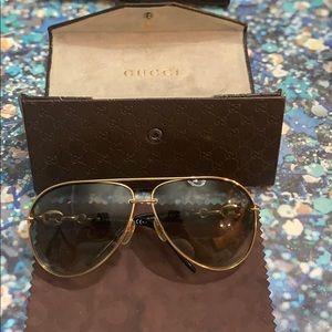 •Gucci sunglasses 🕶 •